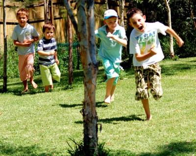boysrunning400-x-319